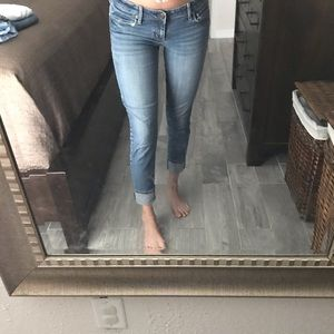 American eagle low rise short jeans